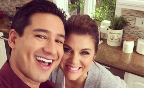 Tiffani Thiessen and Mario Lopez