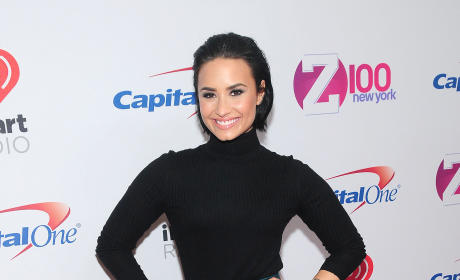 Demi Lovato: Z100's iHeartRadio Jingle Ball 2015
