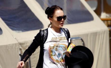 Lindsay Lohan Wakes Up, Satisfies Cravings Fast