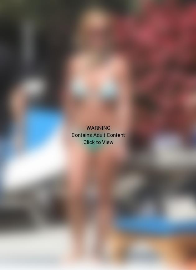 Britney Bikini Hotness