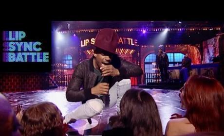 Marlon Wayans Lip Syncs to Pharrell
