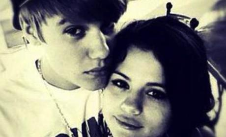 "Selena Gomez Friends Planning Anti-Justin Bieber ""Intervention"" ... Will it Work?"