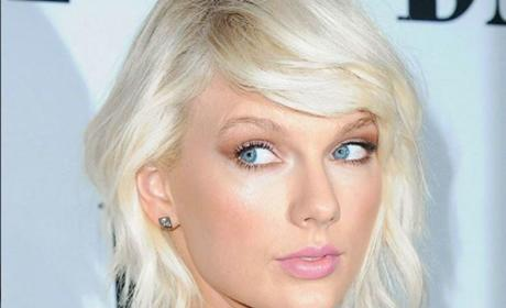 Taylor Swift Platinum Hair