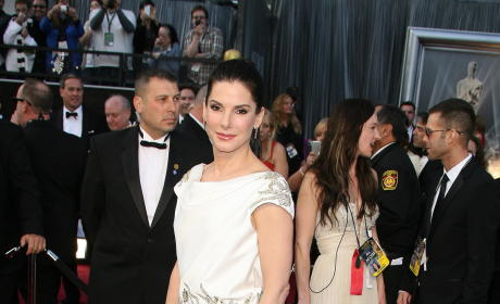 Academy Awards Fashion Face-Off: Sandra Bullock vs. Natalie Portman