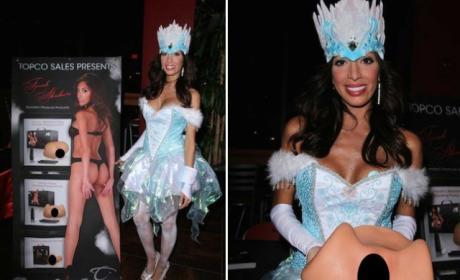 Farrah Abraham Sells Sex Toys While Dressed as Queen Elsa