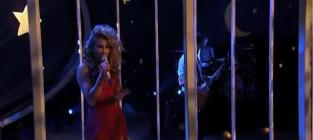 Haley Reinhart Debuts Single on American Idol
