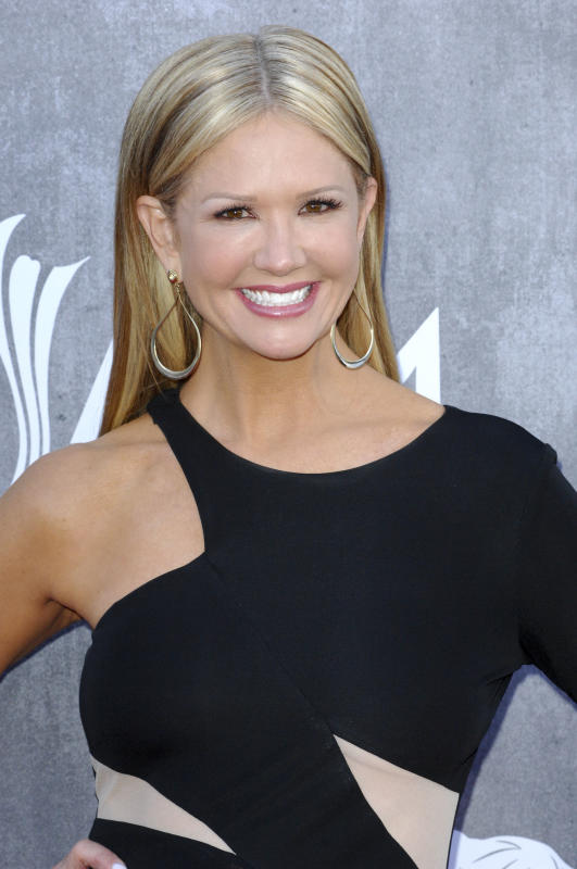 Nancy O'Dell at the ACM Awards