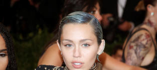 Miley Cyrus Loves Herself, Aims to Help LGBT Youth