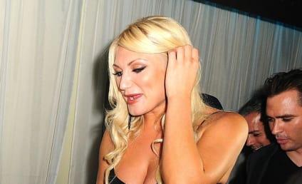 Half Nude Brooke Hogan Frightens Concert Goers