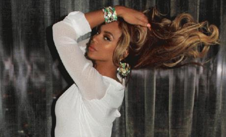 Beyonce Loses 65 Pounds, Shows Off Curves on Tumblr