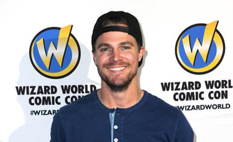 Stephen Amell At Philadelphia Comic Con 2016