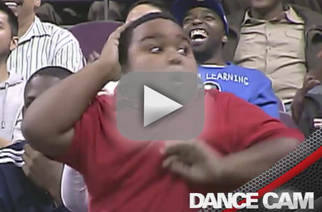 Pistons Fan vs. Usher: Dance-Off!