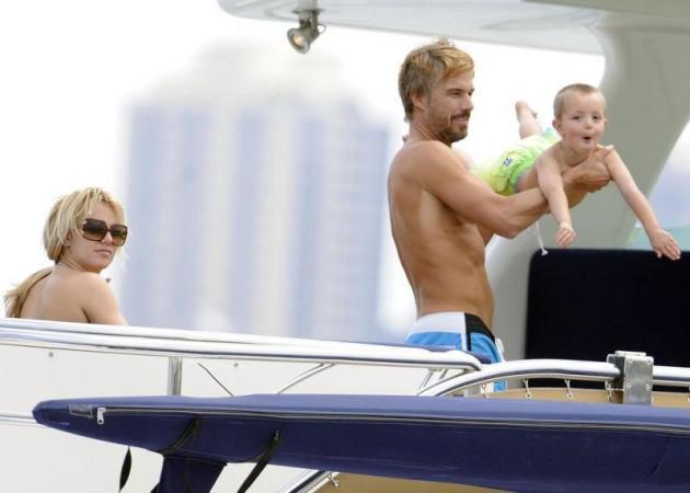 Spears Family Moment