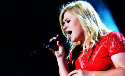 Kelly Clarkson Goes Country, Debuts New Track