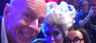 Rumer Willis Poses with Mom, Dad, Sisters in Epic DWTS Selfie