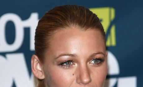 Blake Lively Sabotages Ryan Reynolds