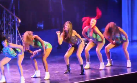 Selena Gomez: Twerking on Tour!