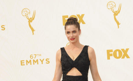 Amanda Peet at the 2015 Emmys