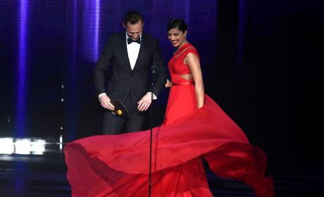 Priyanka Chopra Twirls Dress Tom Hiddleston 2016 Emmys