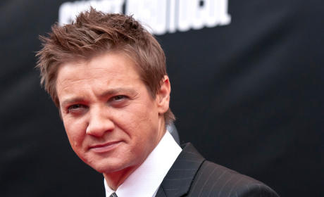 Jeremy Renner Involved in Brutal Thailand Fight