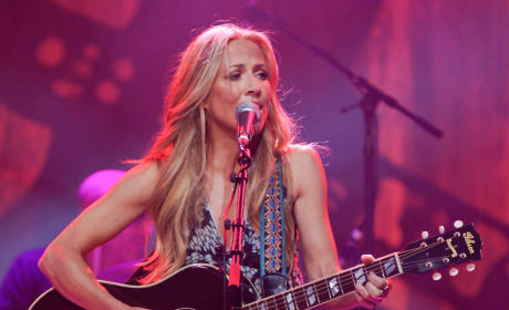 Sheryl Crow Opens Breast Cancer Center