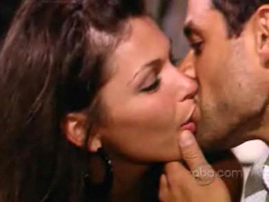 Jason Mesnick Kissing DeAnna Pappas