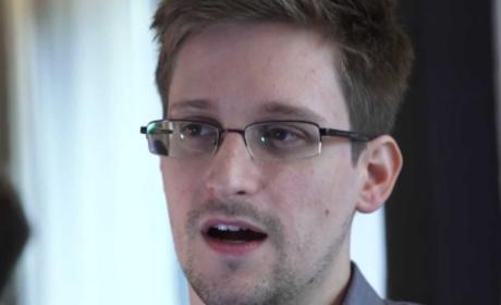 Edward Snowden: Asylum Offered By Venezuela, Still in Moscow Airport Transit Zone