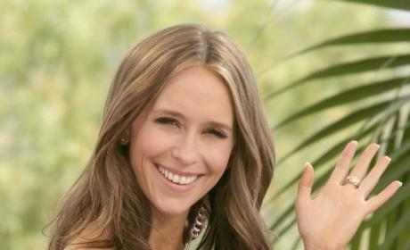 Jennifer Love Hewitt Channels Dead Grandmother, Definitely Not PR Stunt for Show