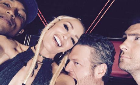 Blake Shelton Playfully Bites Gwen Stefani's Arm, Is Totes Loved Up
