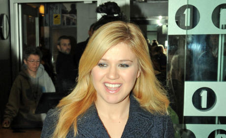Blonde Kelly Clarkson