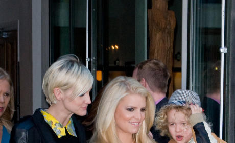 Jessica Simpson to Have a Girl! Or a Boy!
