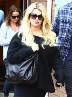 Jessica Simpson, Sweater