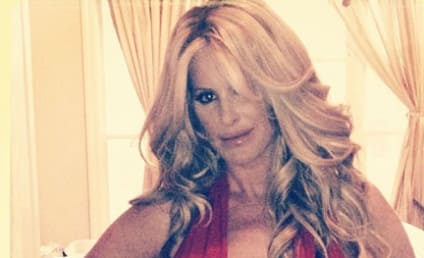 Kim Zolciak Bikini Pic: What Baby Weight?!?