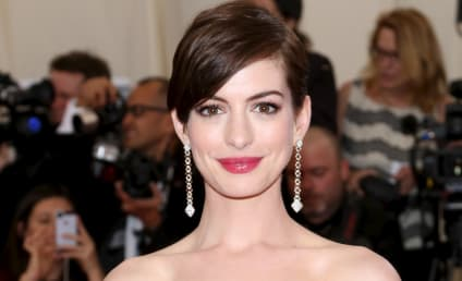Anne Hathaway: Pregnant With First Baby!