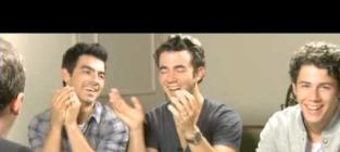 The Jonas Brothers on Mel Gibson: One Awesome Dude!