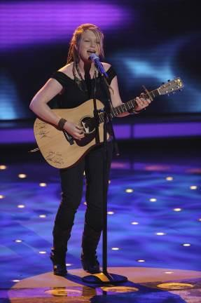 Crystal Bowersox Does it Again
