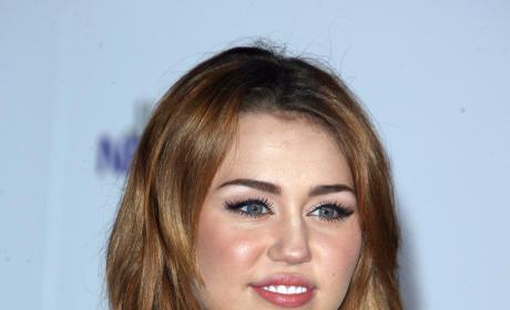 Miley Cyrus: I Love Snooki!