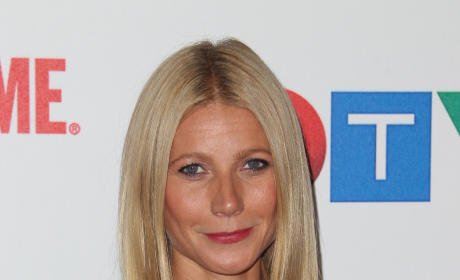 Gwyneth Paltow: Drunk Texting Chris Martin About Jennifer Lawrence?