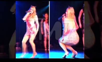 Paris Hilton Fakes Orgasm on Stage, Creates Wave of Sex Tape Nostalgia