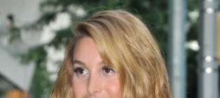 Whitney Port, Blond Hair