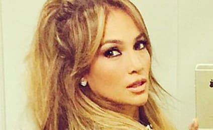 "Jennifer Lopez Thinks She's ""Chunky"" in This Selfie, Raven-Symone Can't Even"