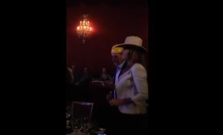 Heidi Klum Sings Karaoke For Charity