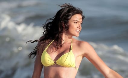 Courtney Robertson Bikini Photos: THG Hot Bodies Countdown #71!