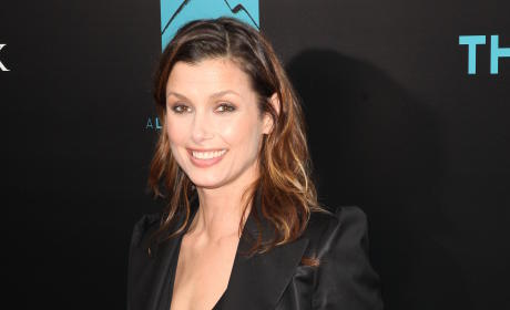 Two Weeks Past Due, Bridget Moynahan Still Pregnant