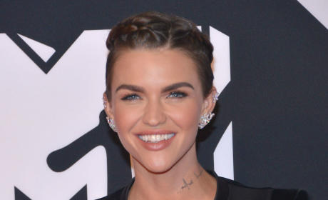 Ruby Rose Ends Engagement to Phoebe Dahl, Internet Explodes with Hope