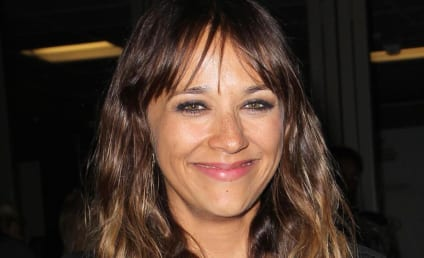 Rashida Jones Jokes That John Travolta Should Come Out, Apologizes on Twitter