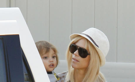 Elin Nordegren Seeks New Boyfriend, Hates Tiger Woods