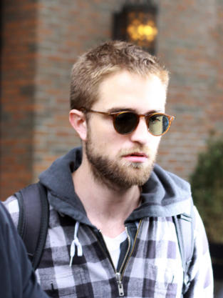 Scruffy Robert Pattinson
