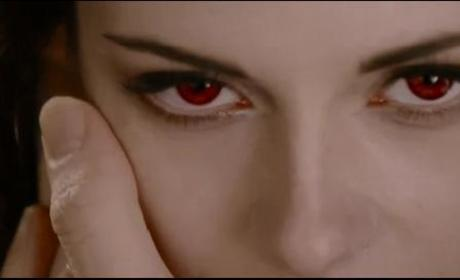 Breaking Dawn Part 2 Trailer: Beware of Bella!