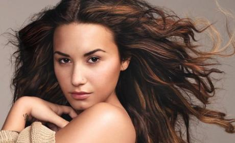 Demi Lovato Warns Suitors: I Have Baggage